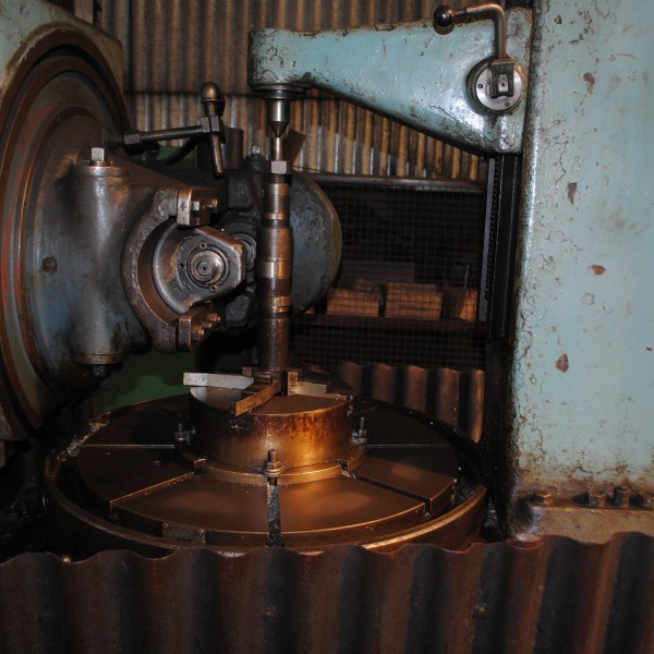 Gear hobbing machine TOS FO10 Z155